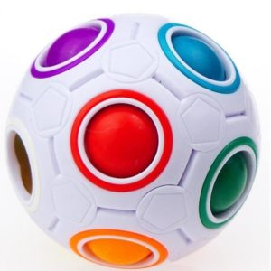 كرة الألوان المرحة